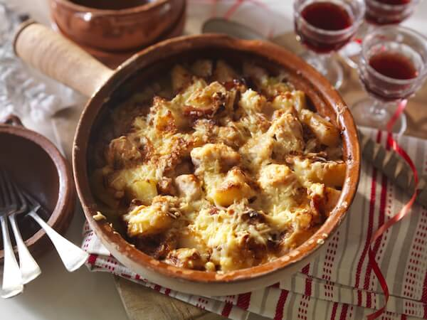 Cheese-loaded Baked Potato, Chicken and Bacon Casserole