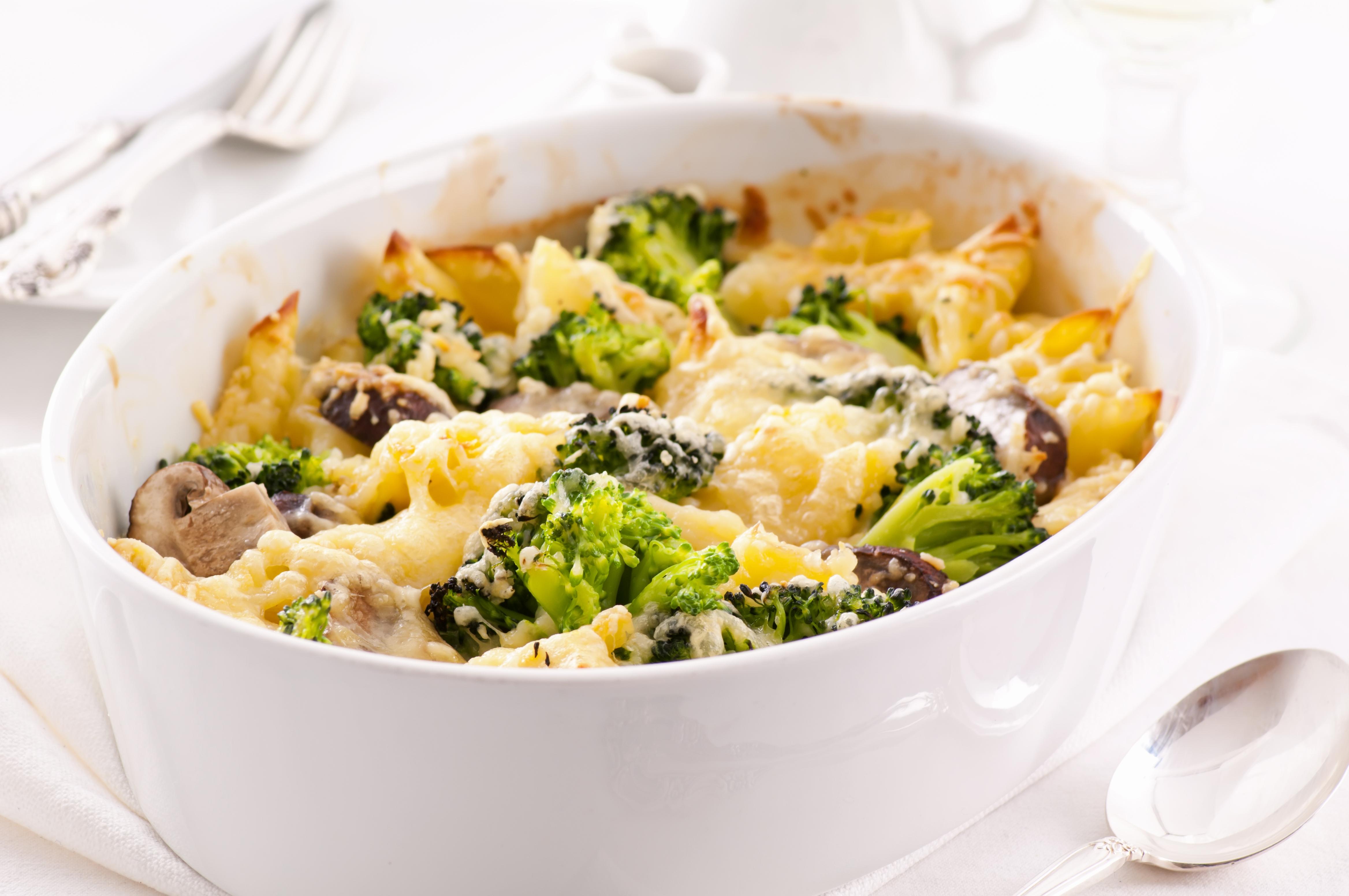 Easy pasta and broccoli bake